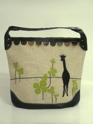 きりん刺繍ショルダーバッグ
