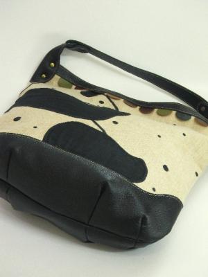『横向きパンダ刺繍』ショルダーバッグ