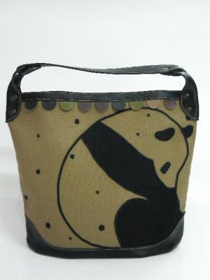 『下向きパンダ刺繍』ショルダーバッグ