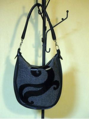 刺繍ショルダーバッグ