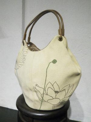 刺繍バッグ、蓮
