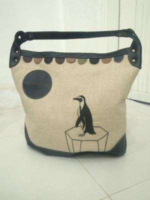 氷上のペンギン刺繍