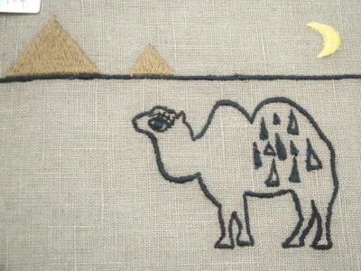 刺繍、砂漠