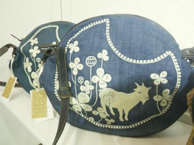 山羊の刺繍