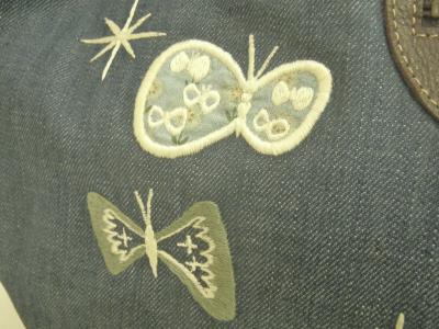 チョウチョ刺繍