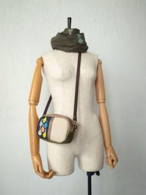 革の持ち手ショルダーバッグ