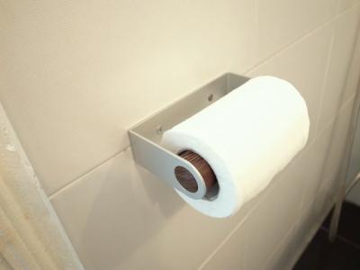 日本製トイレットペーパーホルダー