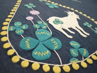 山羊とクローバー刺繍