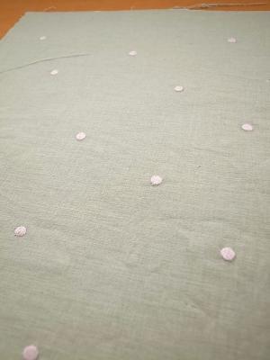 水玉の刺繍