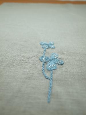 クローバーの刺繍