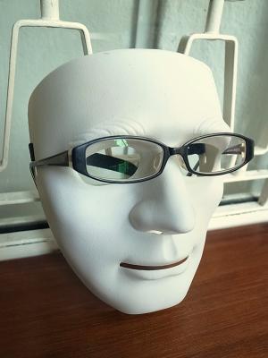 黒ぶち眼鏡