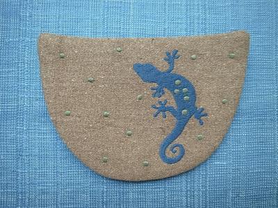 刺繍、ヤモリ