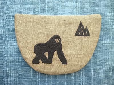 ゴリラ刺繍