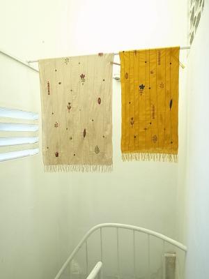 手刺繍スカーフ