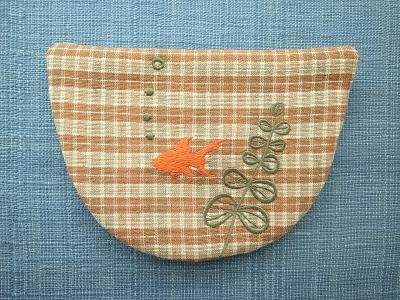 刺繍、金魚