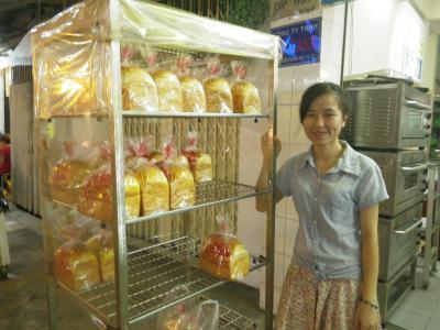 ホーチミンのパン屋さん