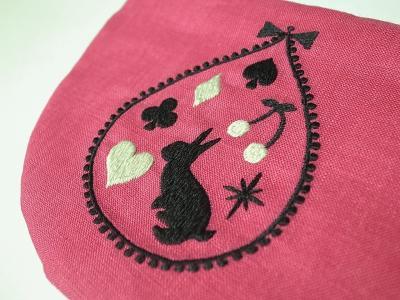 トランプうさぎ刺繍