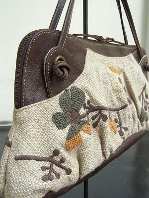 ハンドバッグ、花刺繍