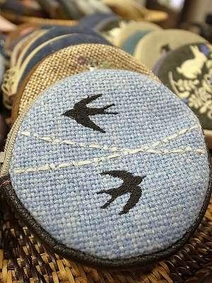青空ツバメ刺繍