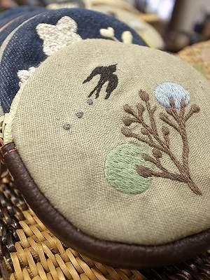 森のツバメ刺繍