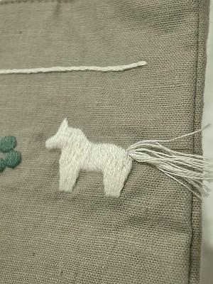 しっぽ刺繍