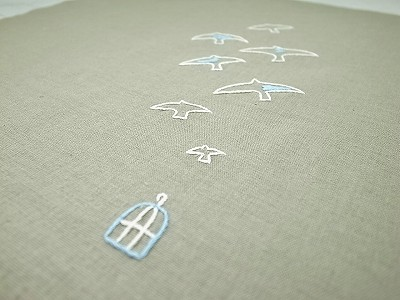 籠と鳥刺繍