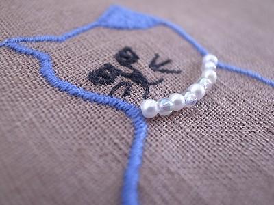 ビーズ猫刺繍
