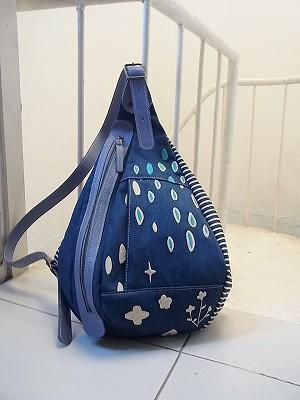 小雨刺繍・ボディバッグ
