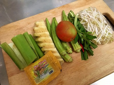 ベトナムの酸っぱいスープ『カインチュアcanh chua』
