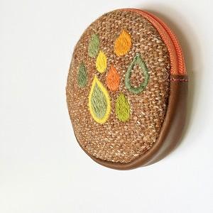 丸い小銭入れ・雨刺繍