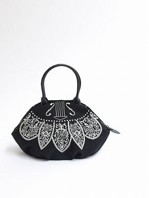 ヴァイオリンレース刺繍・アーモンドバッグ
