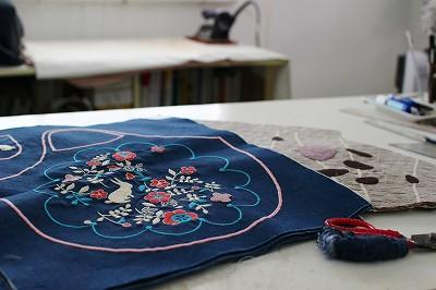 ペタンコ刺繍バッグ