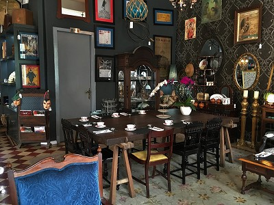 『Villa Royale Downtown Antiques & Tea Room』in ホーチミン