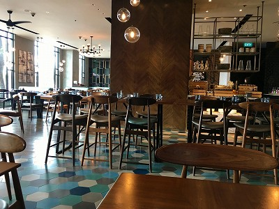 5つ星ホテル《ルネッサンス リバーサイド ホテル サイゴン》のランチブッフェ。
