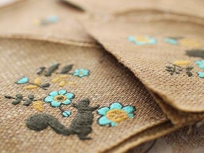 ラブリーガーデン刺繍・ショルダーポーチ