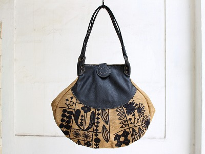花畑刺繍しずくトートバッグ
