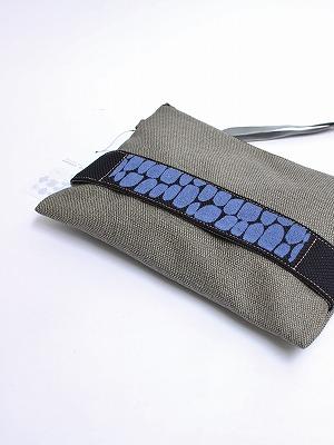 石垣刺繍クラッチバッグ