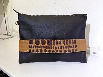 石畳刺繍ショルダーポーチ