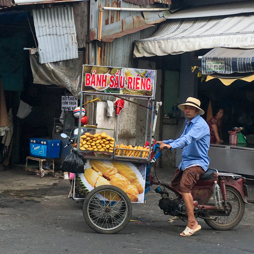 ベトナムのドリアンパン屋台