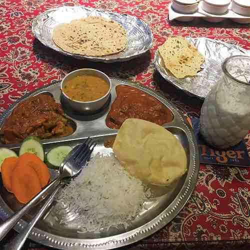 ホーチミンのインドカレー『Bollywood』