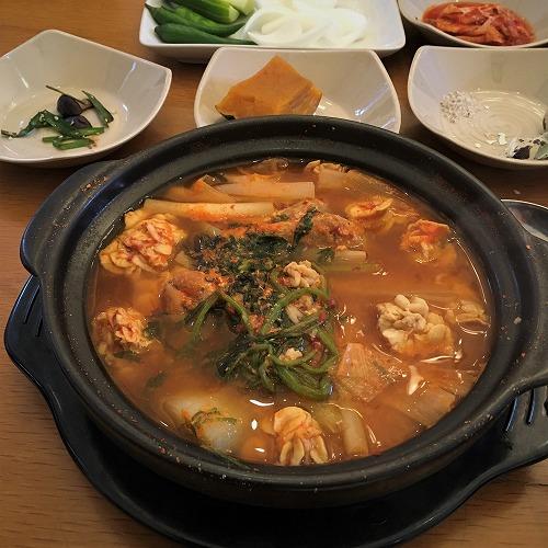 ホーチミンの韓国料理・たらこ鍋