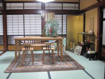 和室にテーブル