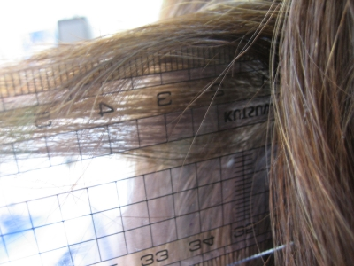 髪の量を減らす方法