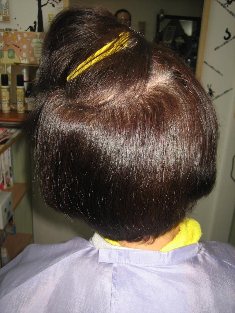 50代 60代 アラフィフのヘアスタイル つむじが割れる
