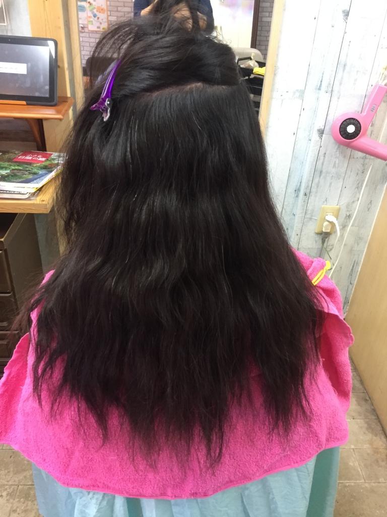 広がる髪の特徴 クセにバランスのいいパーマ液