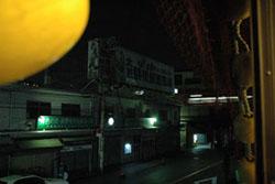 鶴橋岩山海の2階の窓から�