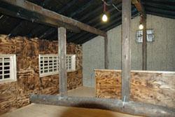 鶴橋岩山海の3階の内装�