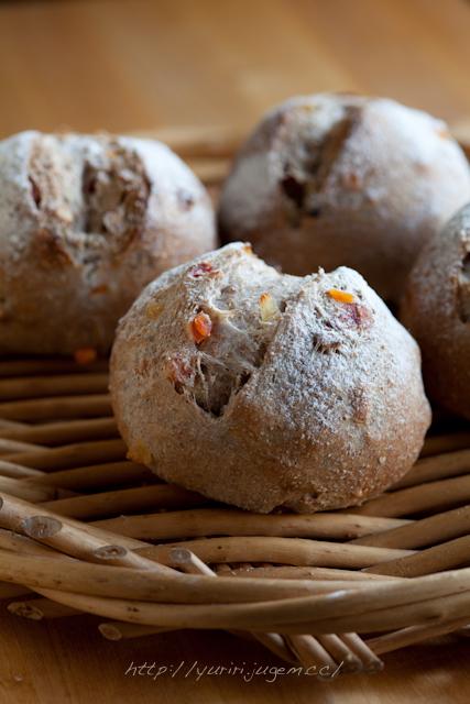 20120403 ミックスフルーツ入りパン.jpg