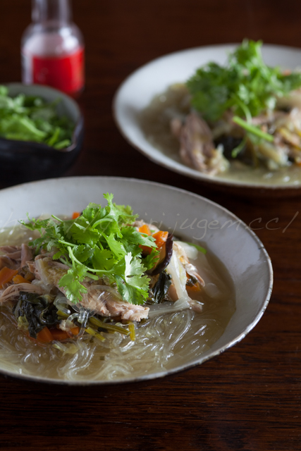 20140607丸鶏と野菜のスープ-春雨入り-3.jpg