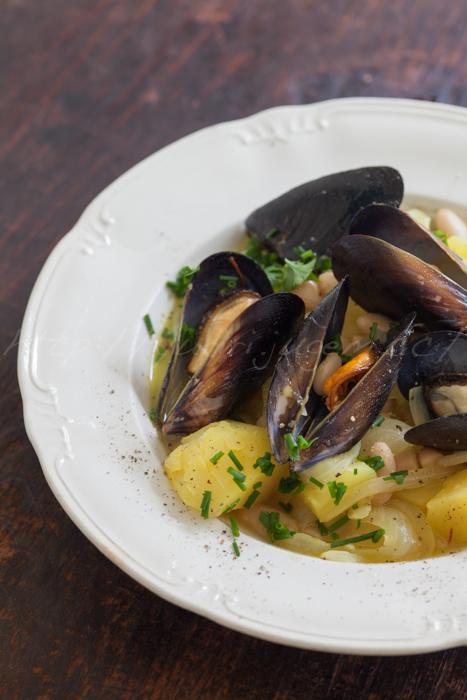 20160918ムール貝とじゃが芋と白いんげんのサフラン風味スープ.jpg